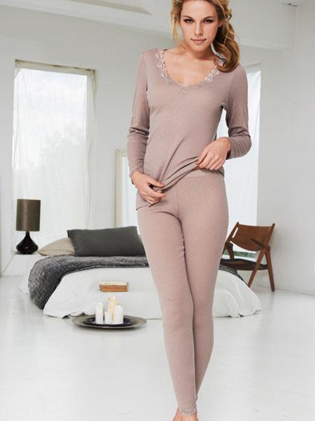 101-woolrib-tshirt-ls-pants-front-walnut-rgb.jpg