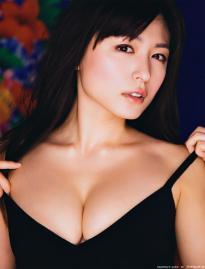 kawamura_yukie_g087.jpg