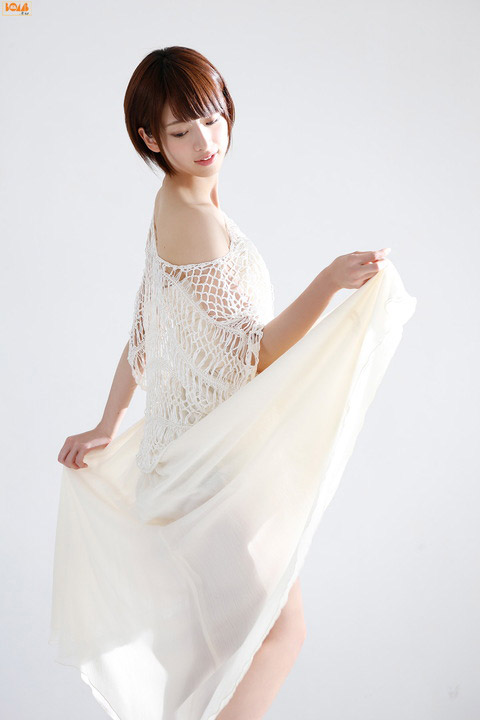 橋本奈々未 色白美肌の画像