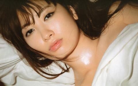 小嶋陽菜 ananのエロ画像