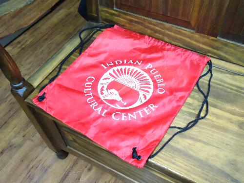 インディアン・プエブロ・カルチャーセンターのバッグ