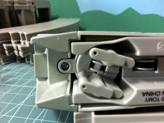 「東京モノレール2000形セット」2000形車両 先頭車・後部車の前面床下部分①