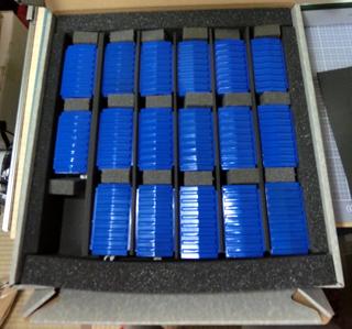 キャラテックのケースにプラレールのワム380000を収納した様子