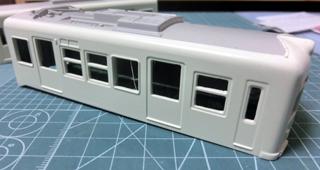 屋根のグレーと上半身のボディーからを塗った琴電1300形④