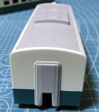 クリームと青緑のツートンカラーになった琴電1300形⑥