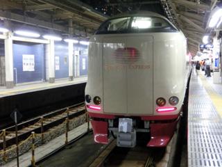 東京駅停車中のサンライズ瀬戸&出雲