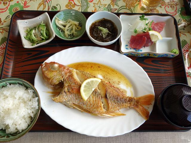 仲泊海産物料理店9