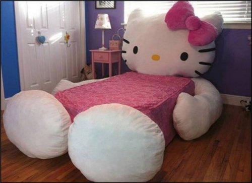 超巨大なキティちゃんのベッド