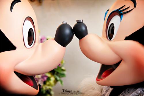 ミッキーとミニーの鼻の大きさが全然違う