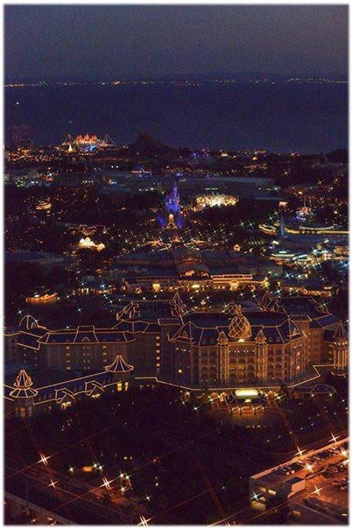 美しいと話題になった上空から見たディズニーリゾートの夜景