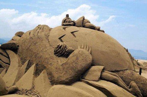 あまりにも芸術的な巨大トトロの砂アート