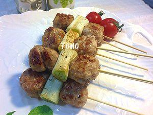 肉団子と葱の串焼き