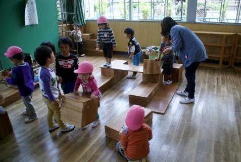 2006-11-17 25年4月遊戯室遊び4月18日 012 (800x536)