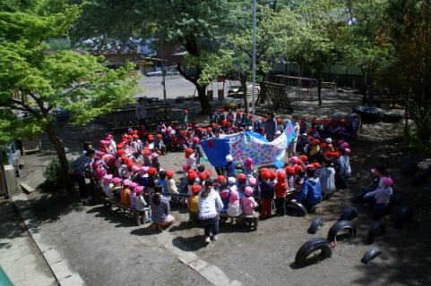 2006-11-21 25年度鯉のぼり披露25年4月22日 006 (800x532)