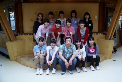 2007-01-13 25年度年長リトミック、和洋女子大 017 (800x535)