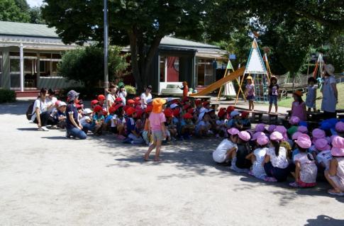 2007-04-10 25 年度四街道さつき幼稚園 012 (800x527)