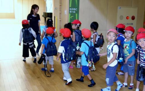 2007-04-10 25 年度四街道さつき幼稚園 031 (800x504)