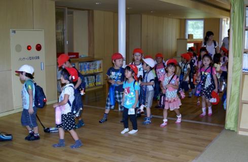 2007-04-10 25 年度四街道さつき幼稚園 036 (800x523)