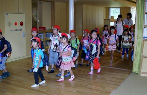 2007-04-10 25 年度四街道さつき幼稚園 037 (800x521)