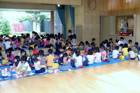 2007-04-10 25 年度四街道さつき幼稚園 065 (800x534)