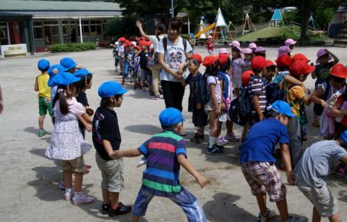 2007-04-10 25 年度四街道さつき幼稚園 075 (800x513)