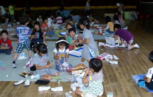 2007-04-26 25年度9月表現年長青精錬紙皿街角探検 029 (800x510)