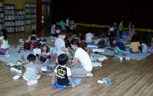 2007-04-26 25年度9月表現年長青精錬紙皿街角探検 033 (800x504)