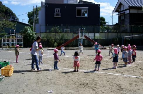 2007-04-28 25年度運動会予行実習生写真 024 (800x524)