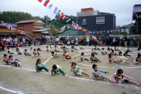 2013-10-19 平成25年度第49回大運動会10月19日 025 (800x531)