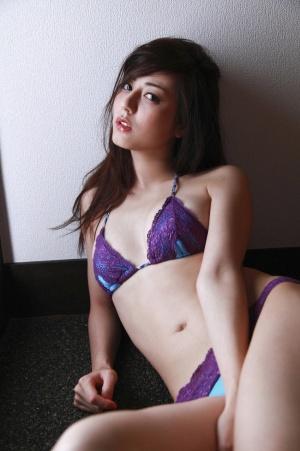 WPB-net-Deluxe-201107-sugimoto-yumi.jpg