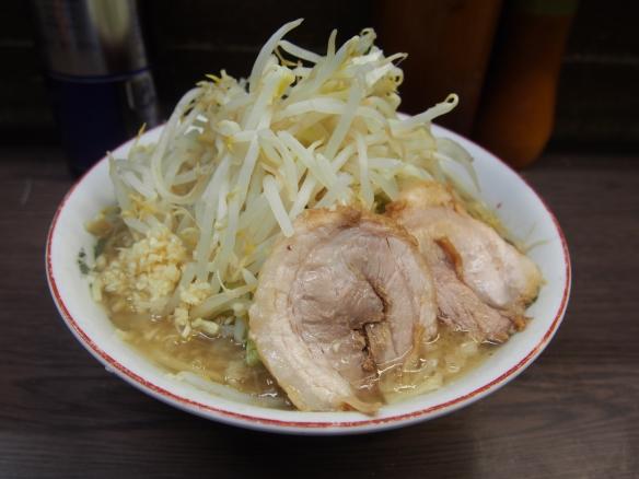 130519_関内_小ラーメン_麺少な目_ヤサイニンニク