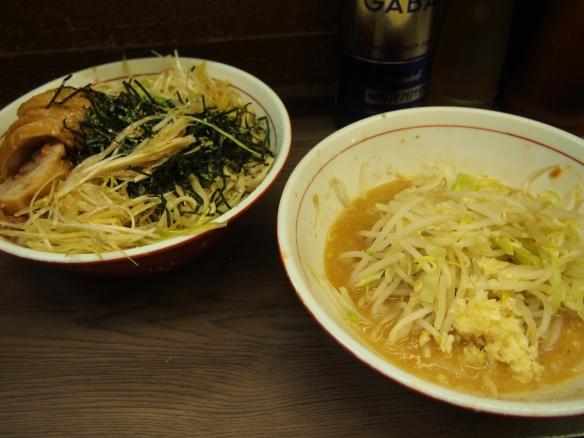 131012_関内_味噌つけ麺(小ぶた)_ヤサイニンニク