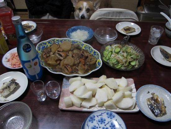 東力士と新高梨のある食卓
