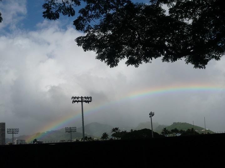 アラモアナの虹