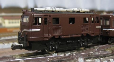 機関車用動力ユニット