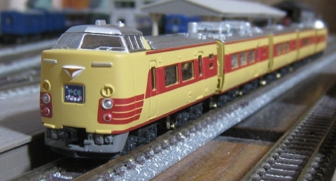 Bトレインショーティー 381系国鉄特急色