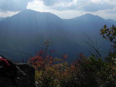 赤岩からの御正体山