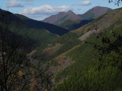 雲取林道から見た四期萩方面