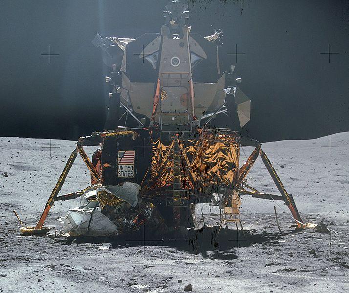 714px-Apollo_16_LM.jpg
