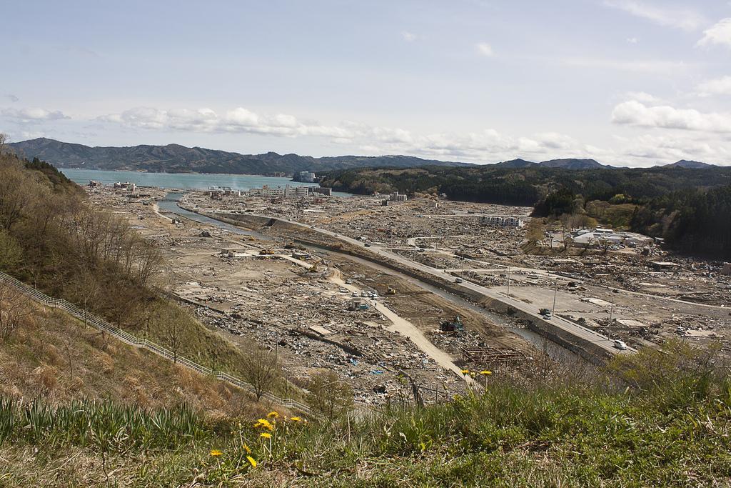 Distant_view_of_Shizugawa_after_tsunami.jpg