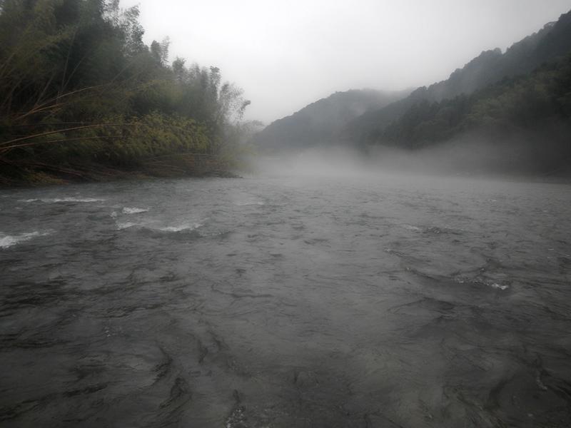 古座川の様子