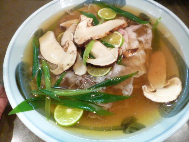 こちらがしゃぶ松 県産しゃぶしゃぶ肉と県産松茸の最強タッグです
