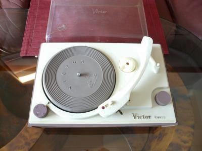 ビクター3スピードプレーヤー R-305