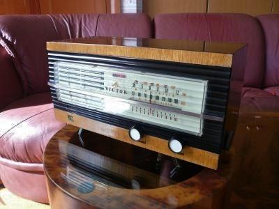 ビクター真空管ラジオ R-2201