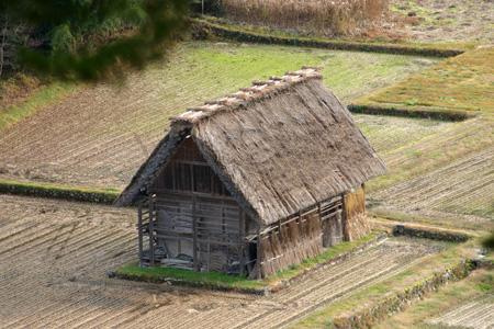 初冬の世界遺産白川郷はどことなくもの悲しい季節ですが、 そんな季節にのんびり一人旅って本当にゆっくりできます! ③