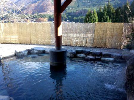 """泉質は寒い冬でも湯冷めしにくい「ナトリウム塩化物泉」 天然保湿成分の指標でもある""""メタケイ酸""""の含有量が多く美肌の湯。掛け流しの温泉をゆっくりとお楽しみください~大白川温泉 しらみずの湯~③"""