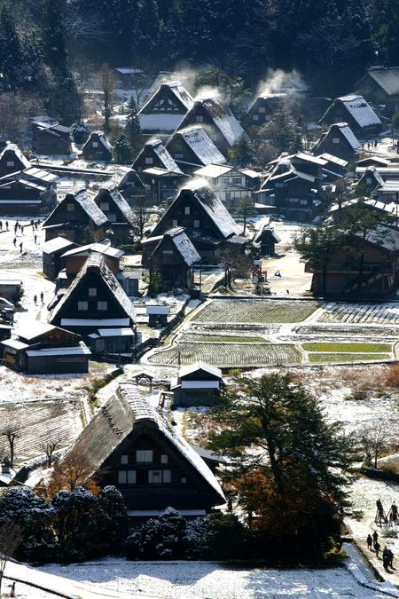 白い雪で美しく表情を変える~世界遺産 白川郷~大自然と田舎らしい風景 ②