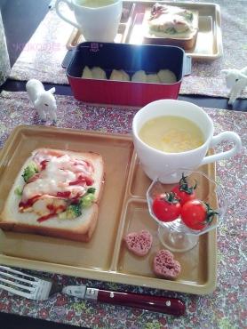 ブロッコリーサラダトースト&焼きりんご☆嬉しいコト♪2