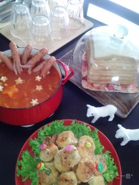 杏ちゃんふわコロとソーセー人鍋2