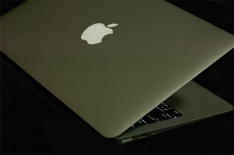 MacBook Air と iBook G4 9